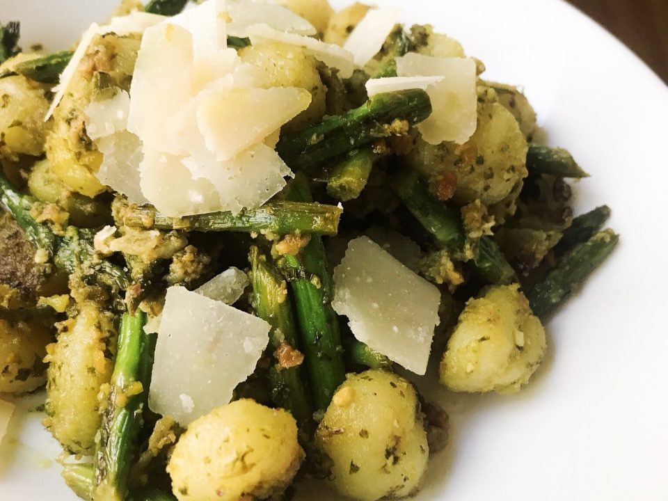 Pistachio Pesto Gnocchi With Asparagus